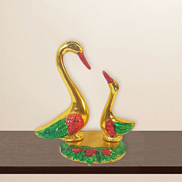 Metal Gold finish Kissing Duck Swan Pair Showpiece For Home Decoration