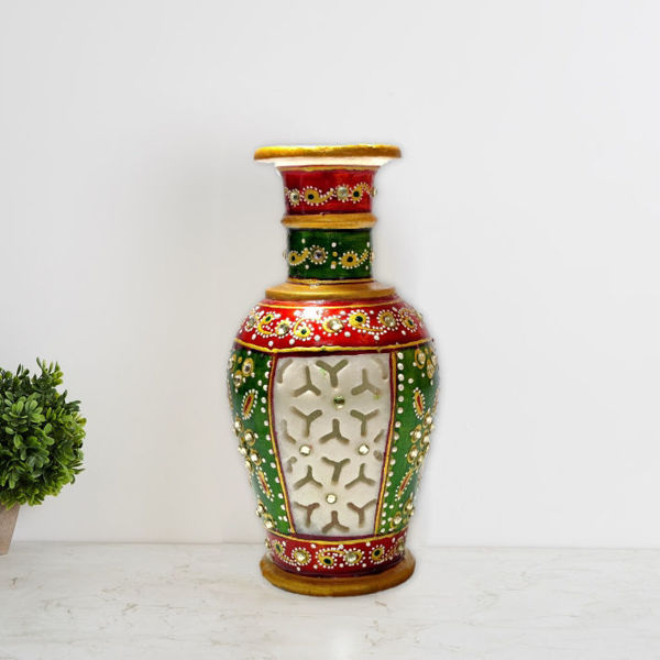 marble flower vase with stunning carving and beautiful design